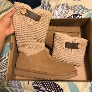 UGGS WOMENS SIZE 8